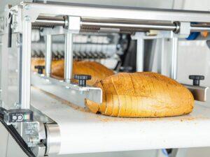 Krojenie i pakowanie chleba